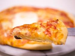 鸡蛋芝士培根披萨