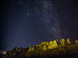 打隆寺的夜空