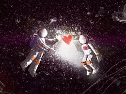 无边黑暗,爱是一道光