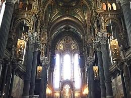 富维耶山教堂和其他