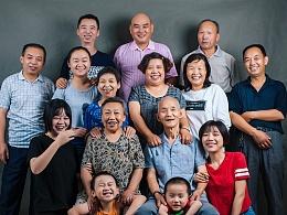 给自己家人拍张全家福