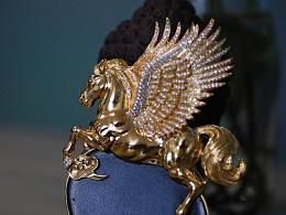 用黄金雕刻出一匹飞马,代波军艺术珠宝定制作品欣赏