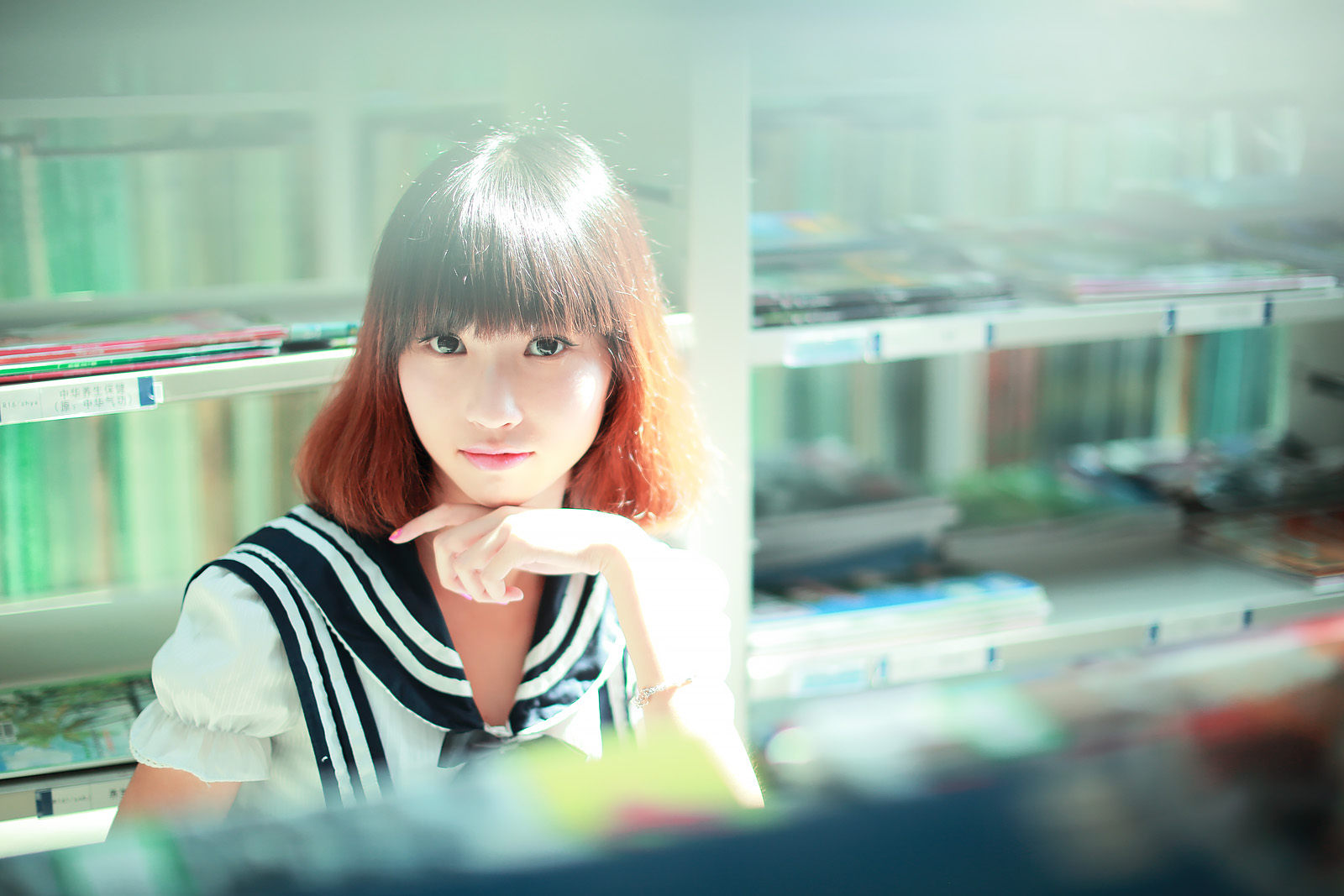 图书馆少女|摄影|人像|雅尔 - 原创作品 - 站酷图片