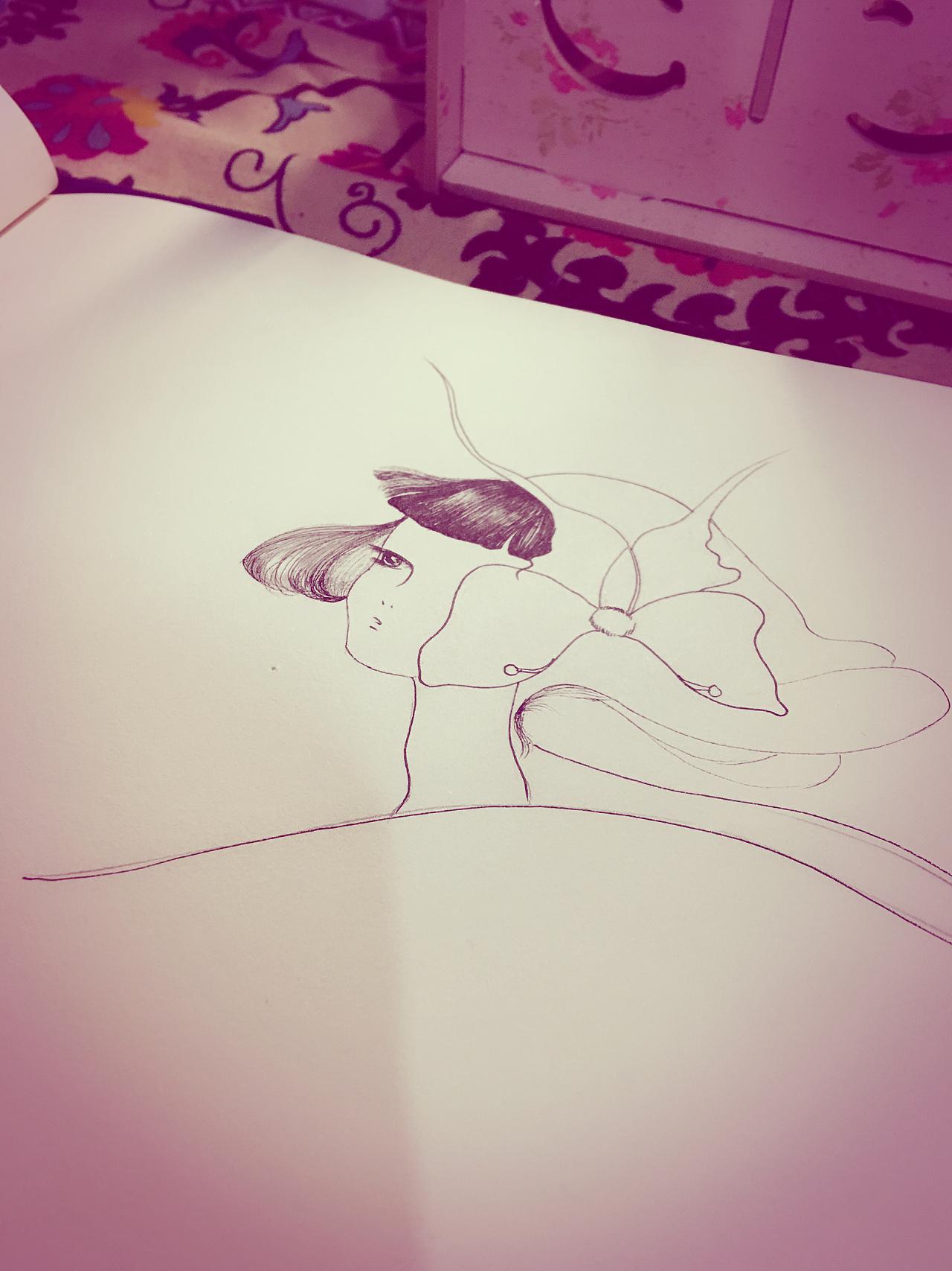 插画女,装饰画,黑白手绘线描,黑白装饰画
