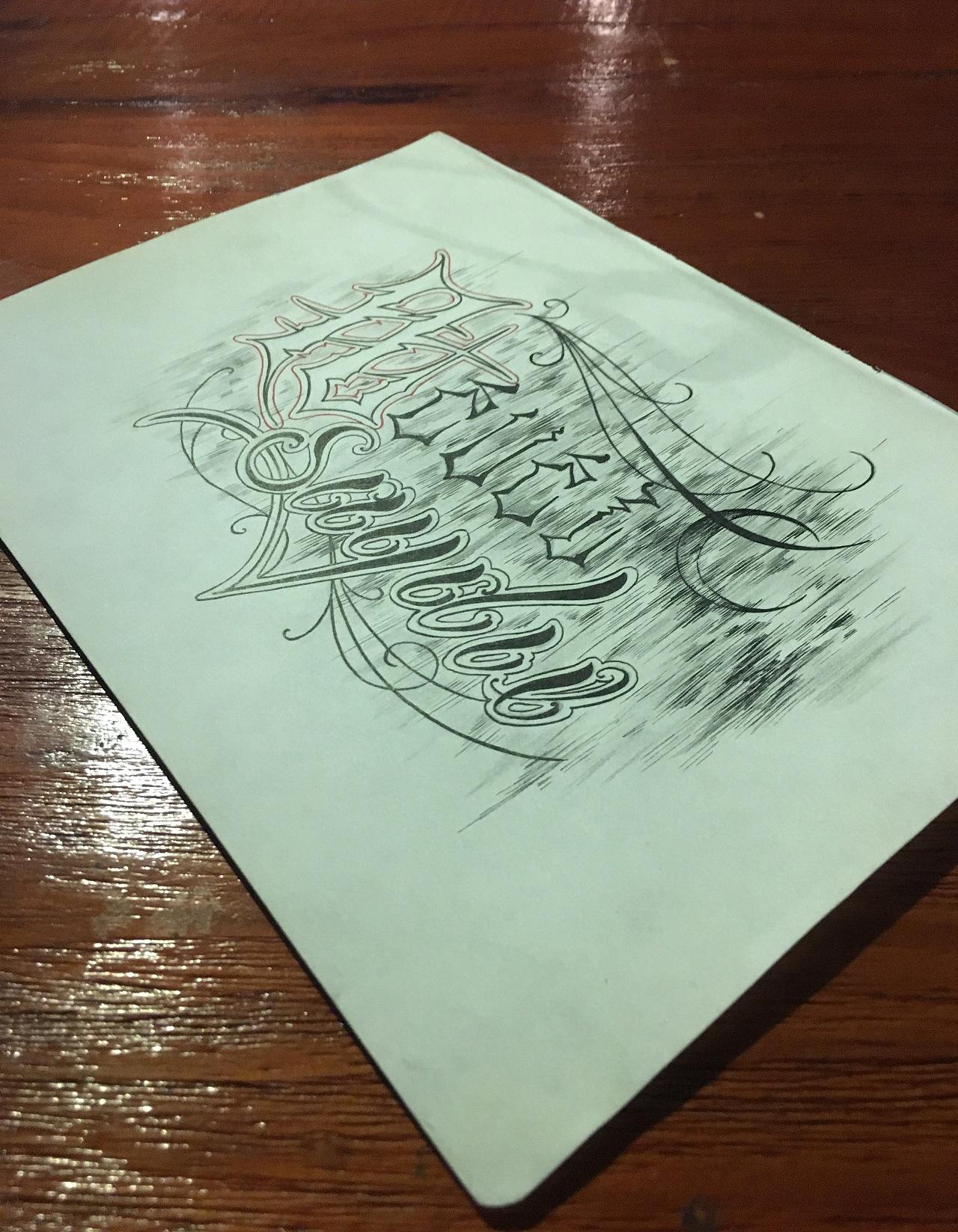 适合做纹身的花体英文手绘设计图片