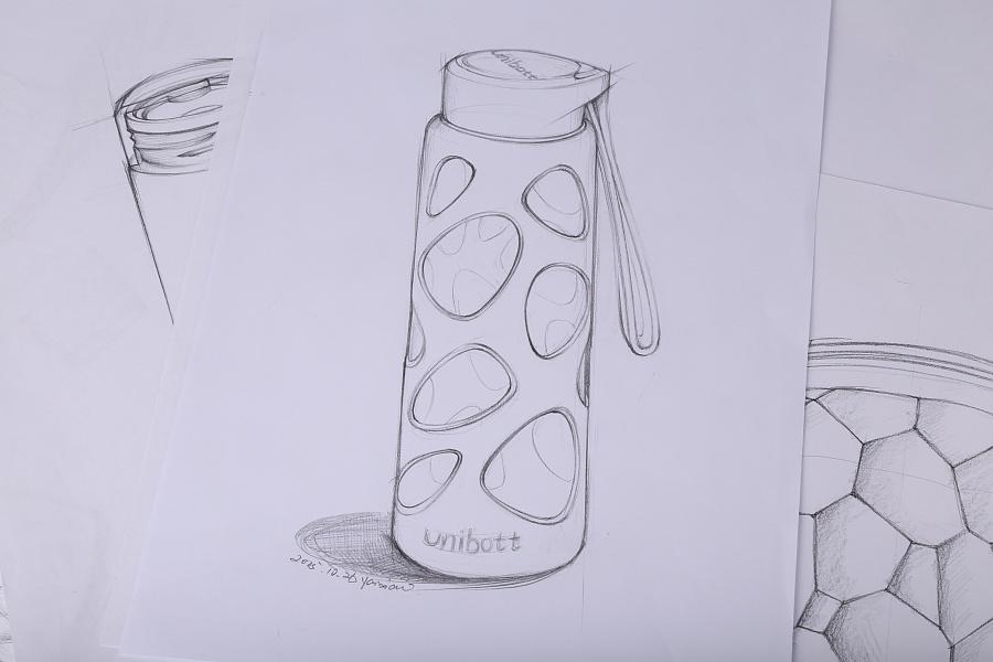 设计师产品手绘稿