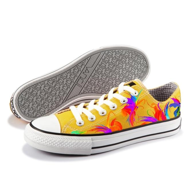 查看《设计画的鞋子》原图,原图尺寸:670x670