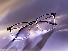 新买的眼镜一副