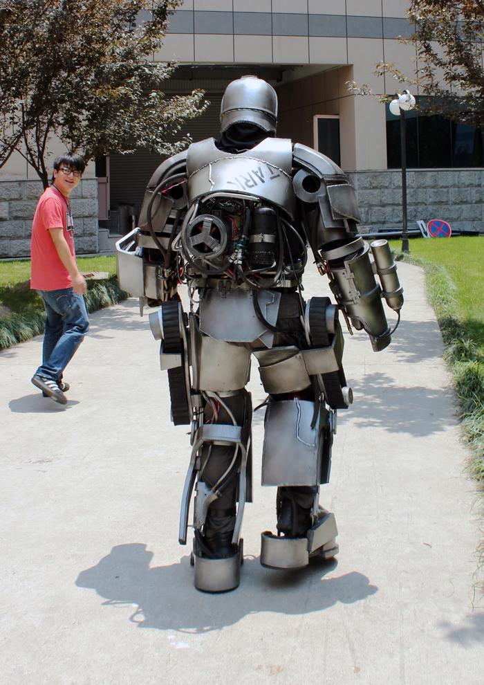查看《我的钢铁侠MK1盔甲》原图,原图尺寸:700x990