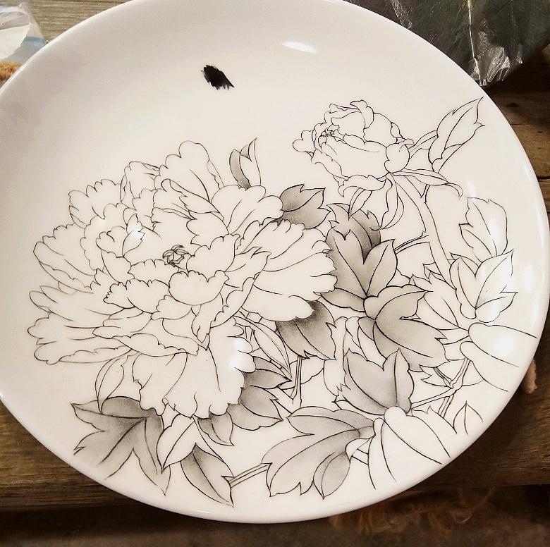查看《牡丹凉――景德镇釉上新彩手绘盘》原图,原图尺寸:780x776