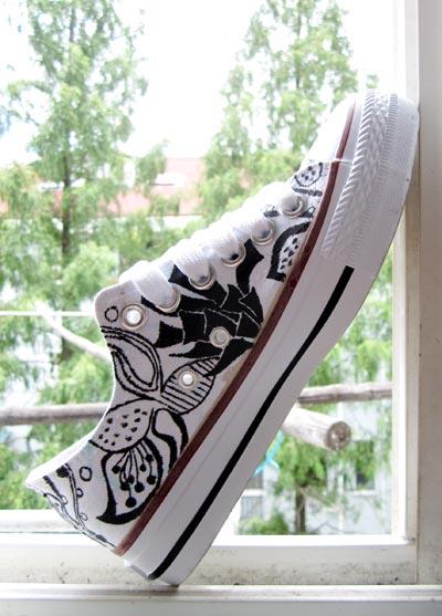 我的黑白手绘鞋