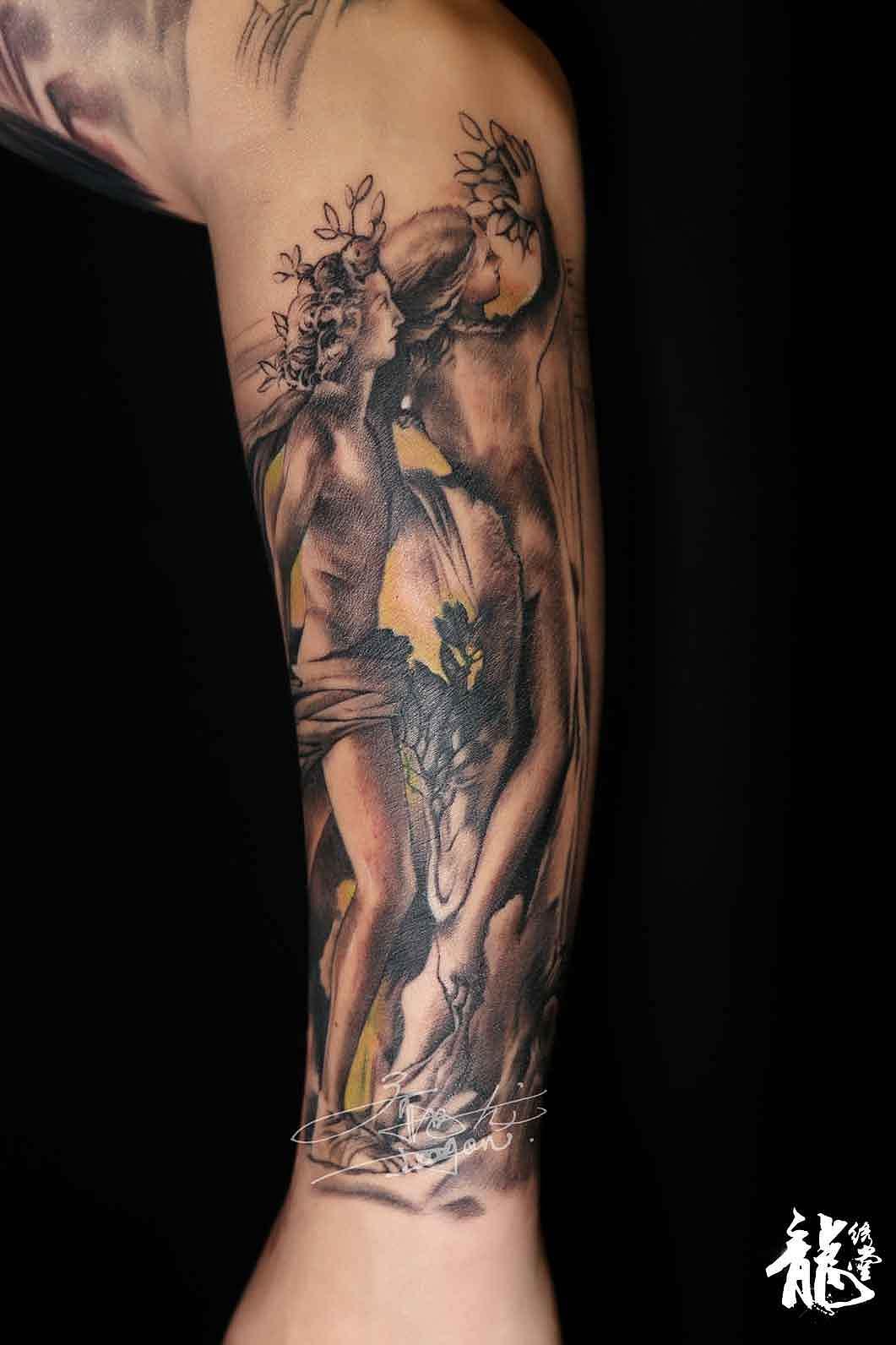 小臂创意亚当夏娃欧美纹身图片