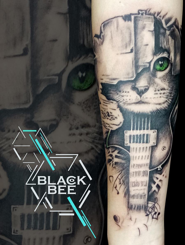 北京blackbeetattoo 原创摇滚音乐吉他猫纹身作品