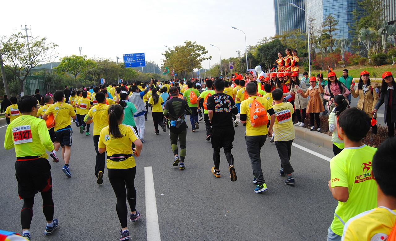 2015厦门国际马拉松