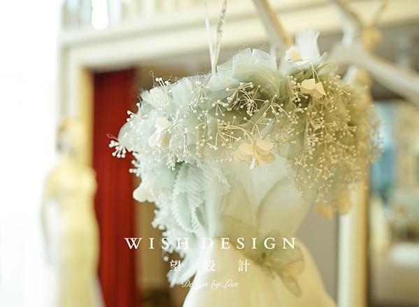查看《樱草新娘,兰奕婚纱设计作品》原图,原图尺寸:600x439