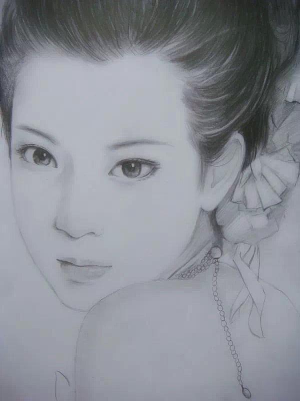 手绘 插画 美女 素描 铅笔画