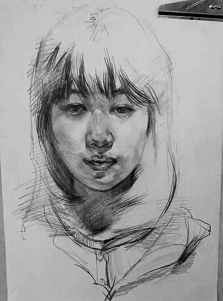 女肖像铅笔画