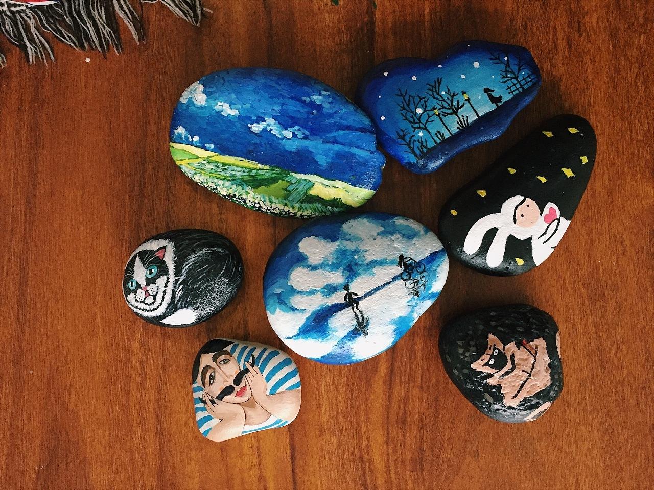 最近画的一些小石头图片