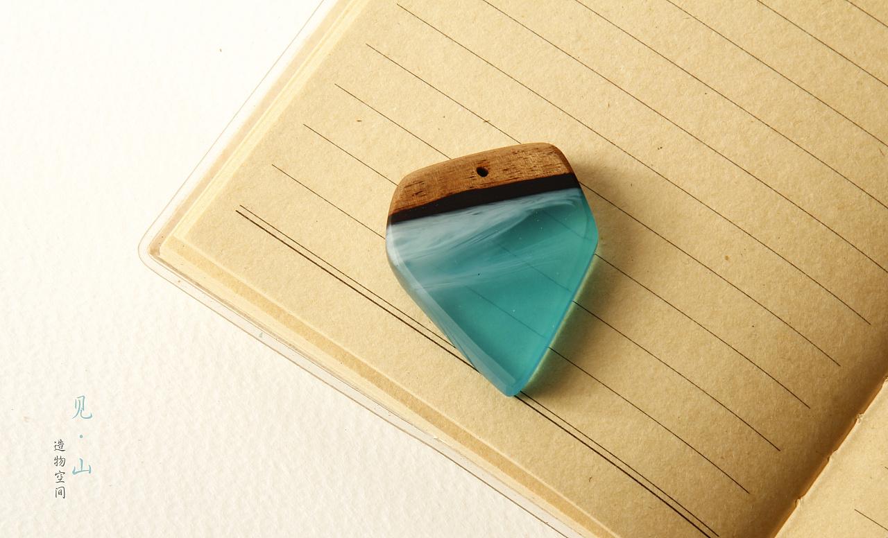 焗瓷树脂+木头 吊坠图片