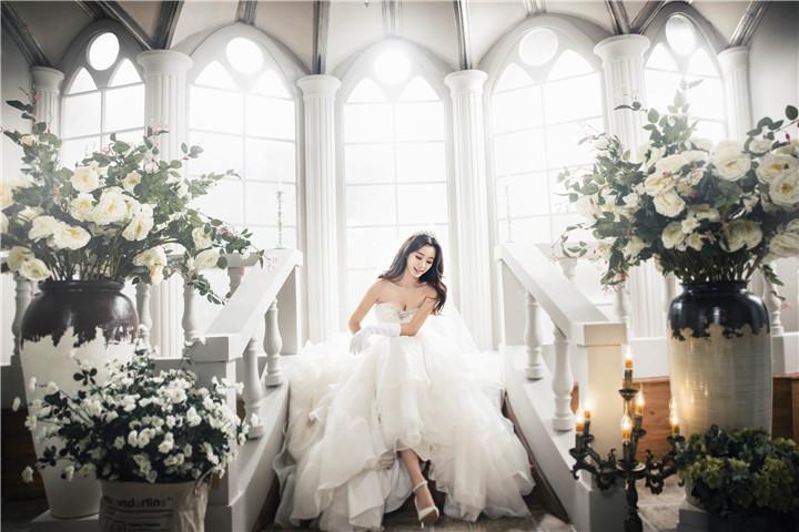 婚纱摄影作品_瑞斯比利高端婚纱摄影作品赏