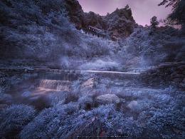 《银色山谷》