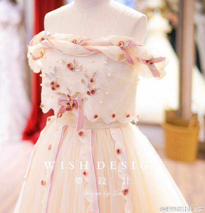 查看《婚纱也可以很少女,兰奕的小玫瑰》原图,原图尺寸:690x718
