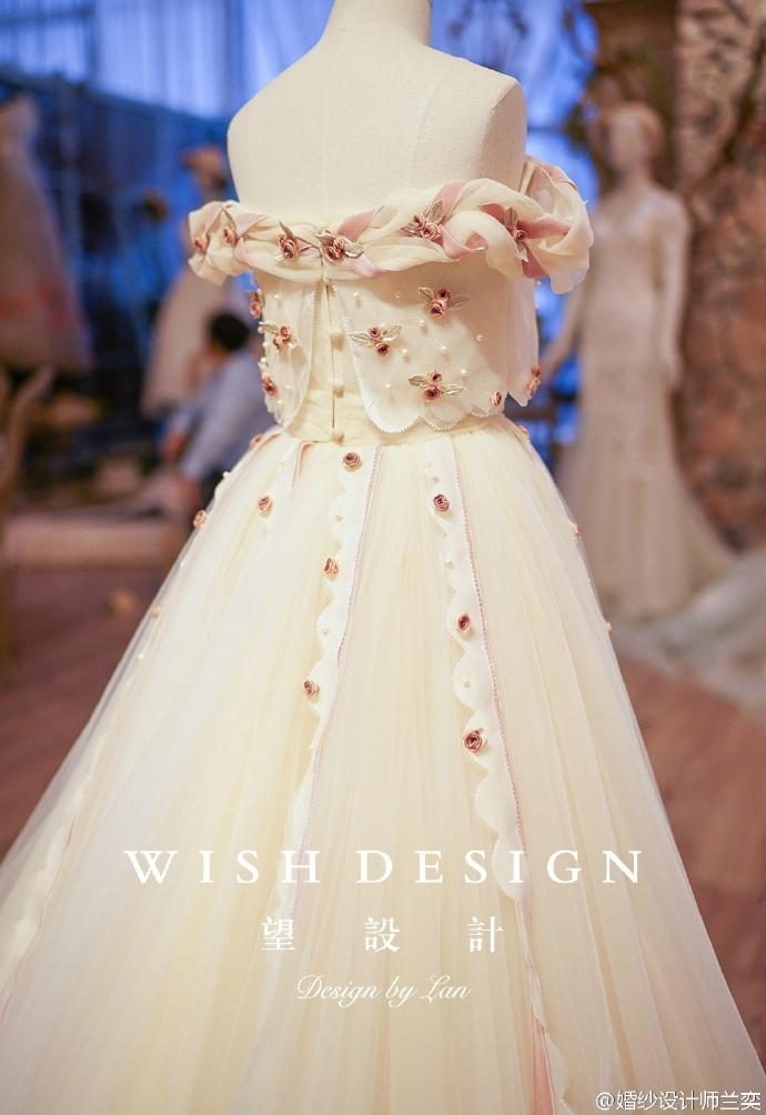 查看《婚纱也可以很少女,兰奕的小玫瑰》原图,原图尺寸:690x1004