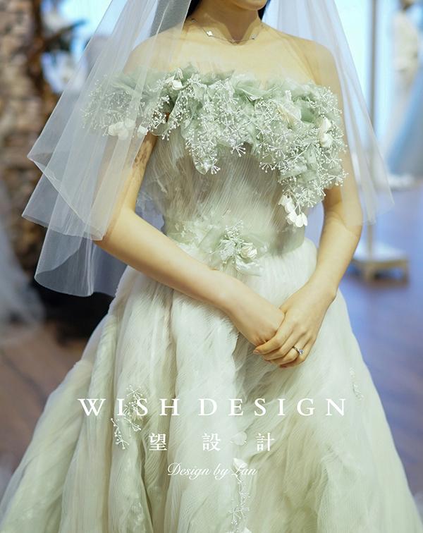 查看《樱草新娘,兰奕婚纱设计作品》原图,原图尺寸:600x756