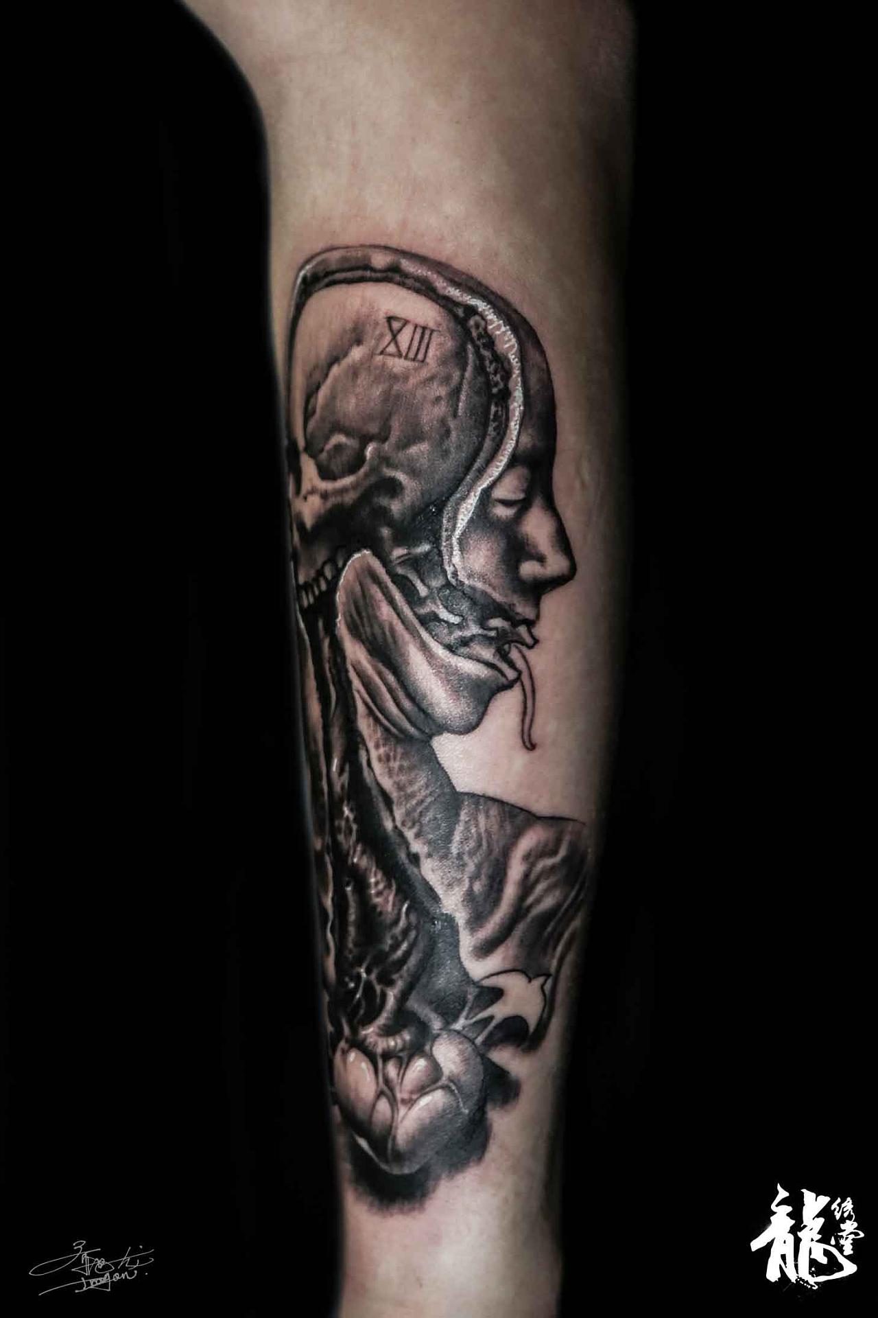 小臂人体结构艺术写实纹身