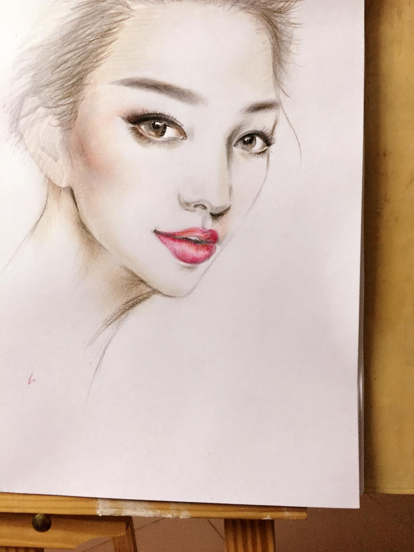 嘴唇手绘图彩铅