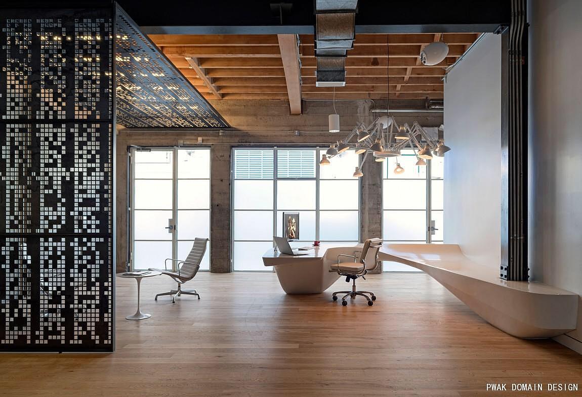 墙砖 墙绘材料 饰面板等 设计说明:       工业风穿插于商务空间,原木图片