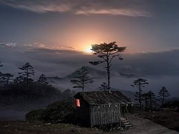 月色下的小木屋