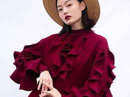 酒红色波浪边毛衣裙