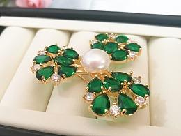 绿宝石珍珠胸针
