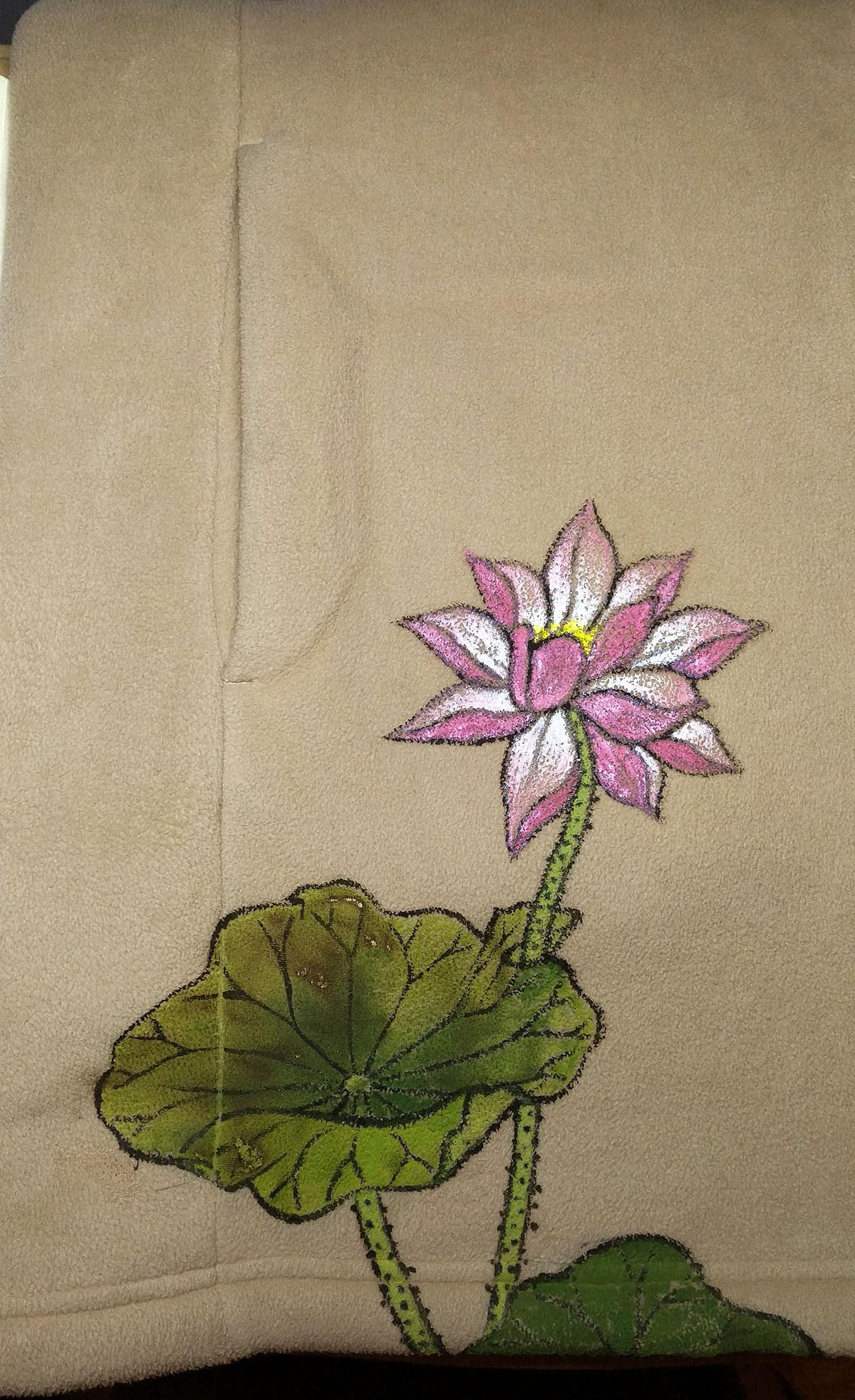 手绘古风荷花设计——艺术拯救衣服系列(丙烯颜料)