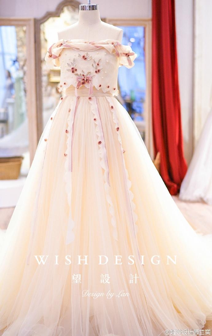 查看《婚纱也可以很少女,兰奕的小玫瑰》原图,原图尺寸:690x1094