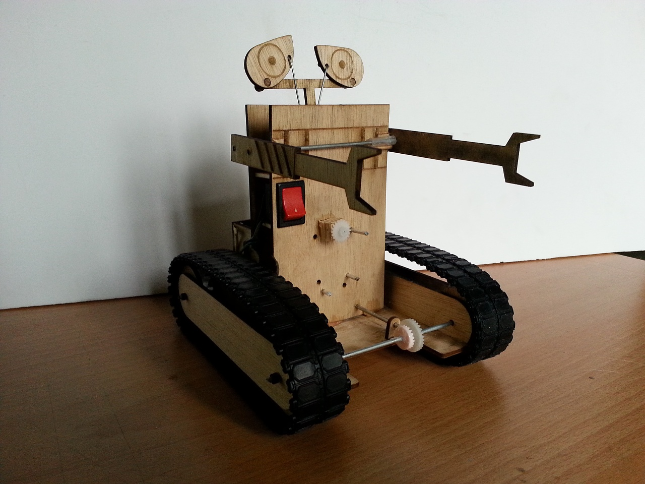 大学二年级课程作业-diy瓦力机器人