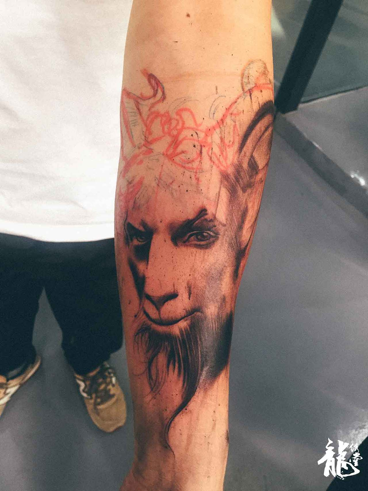 齐旭龙代表上海龙绣堂纹身文化传播有限公司欢迎新老客户来电咨询.图片