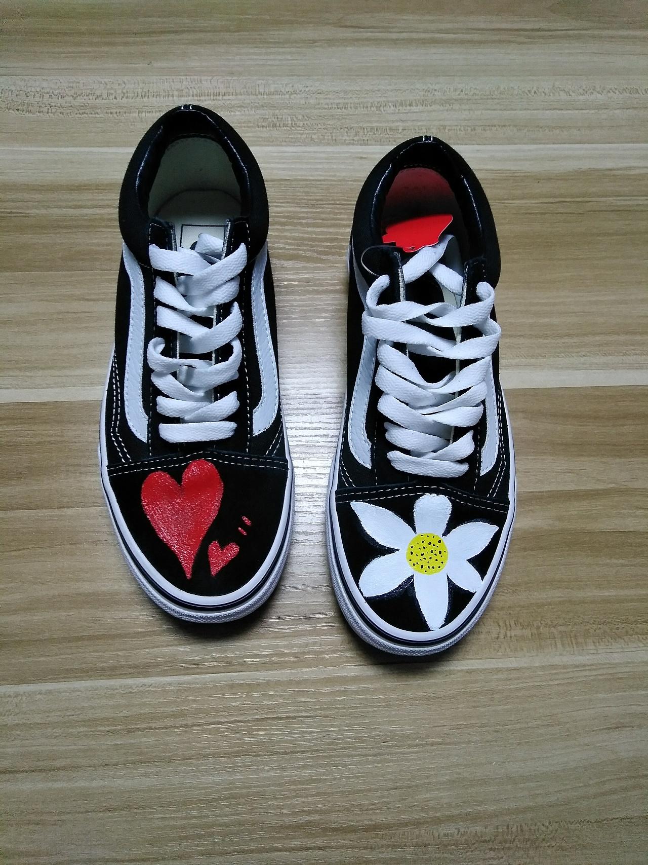 各种图案定制手绘鞋,还有正品vans经典款