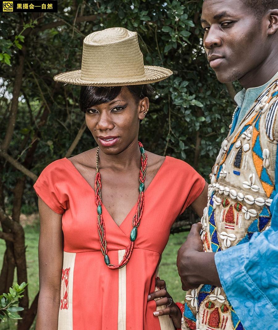 人在非洲 绝版非洲部落服装秀图片