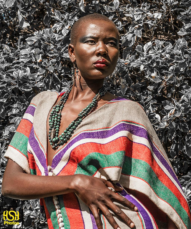人在非洲 非洲部落服饰秀图片