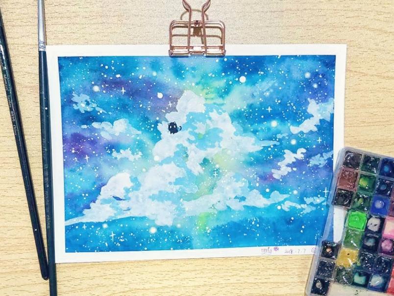 手绘水彩习作,使用水彩加丙烯 星空中大朵大朵的云,周围漫着