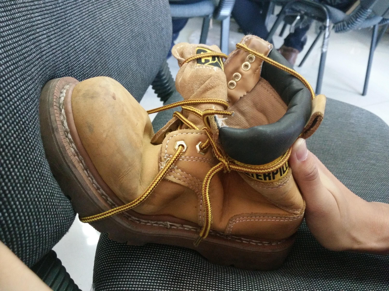 精微素描 大头鞋