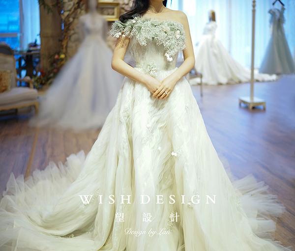 查看《樱草新娘,兰奕婚纱设计作品》原图,原图尺寸:600x511
