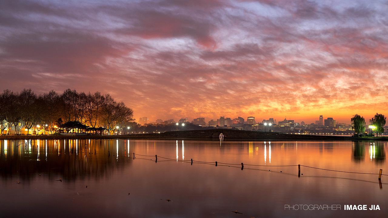 杭州 西湖 断桥日出 北山路风光摄影 |摄影|风光|JIA佳哥 - 原创作品 - 站酷 (ZCOOL)