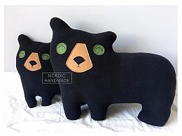 手工黑熊抱枕