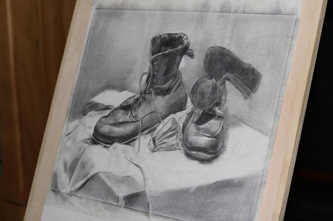素描-静物鞋子图片