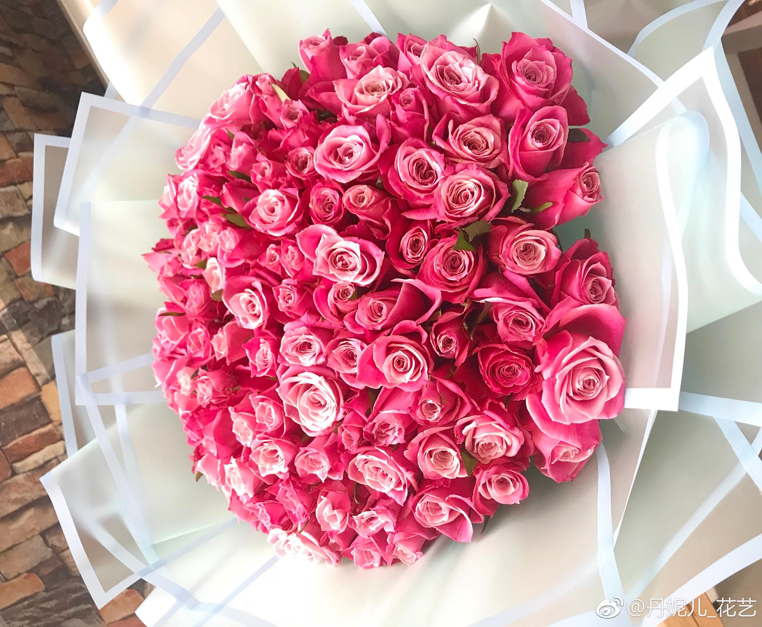 用钱做的花束图片高清_玫瑰花束图片大全99朵图片