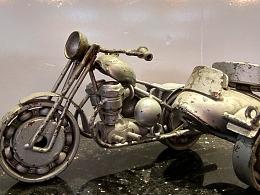 吃鸡、吃鸡!绝地求生三人摩托车【金属诱惑】