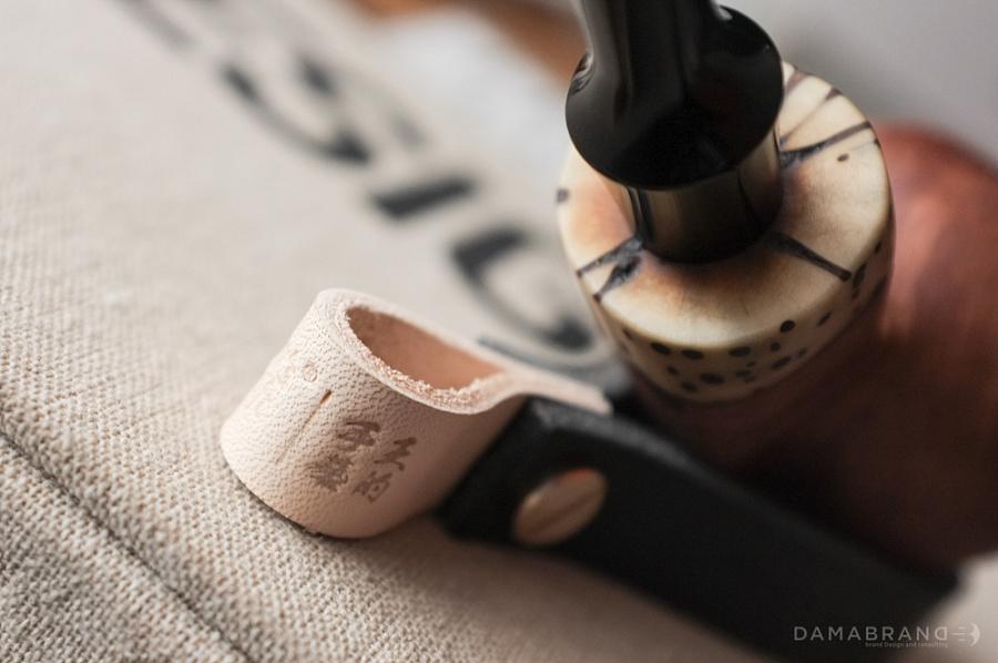 查看《纯皮烟斗架:王的手艺&騳创意》原图,原图尺寸:1000x664